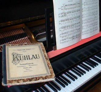 Klavier mit Noten
